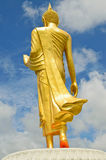 Тайская статуя Будды золотистая. Стоковое фото RF