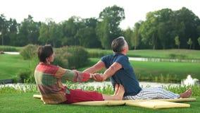 Тайская терапия йоги сток-видео