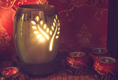 Тайская установка массажа курорта с маслом и свечами ароматности Стоковое фото RF