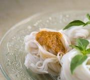 Тайские лапши еды Стоковое Изображение RF