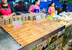 Тайские рецепт десерта заварного крема или Тайск-стиль Tigelada & x28; Португальское sweet& x29; , Еда улицы в Бангкоке, Таиланде стоковая фотография rf