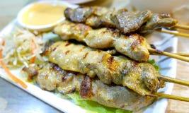 Тайские свинина, цыпленок и мясо еды с satay соусом Стоковая Фотография