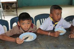 Тайские студенты наслаждаются стоковое фото rf