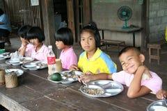 Тайские студенты наслаждаются стоковые фотографии rf
