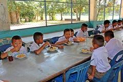 Тайские студенты наслаждаются стоковое изображение