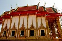 Тайский буддийский висок от стороны в Sukhotai, Таиланде стоковая фотография rf