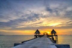 Тайский висок в море Стоковая Фотография