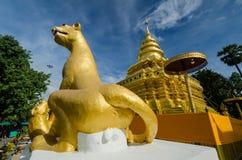 Тайский висок в севере Таиланда Стоковое фото RF