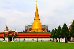 Тайский грандиозный золотой висок Стоковое Изображение RF