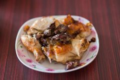 Тайский зажаренный цыпленок, тайская еда, зажаренный цыпленок Wichian Buri3 Стоковое Изображение RF