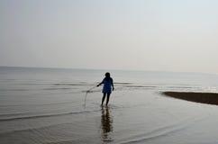 Тайский идти и портрет женщины на пляже Chaiya Стоковые Фото
