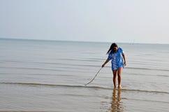 Тайский идти и портрет женщины на пляже Chaiya Стоковая Фотография RF