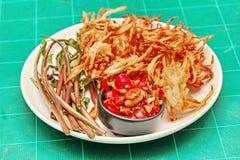 Тайский популярный салат рецепта, пряных и кислых смешанный vegetable с f стоковые фотографии rf