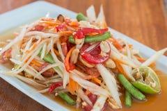 Тайский пряный салат папапайи стоковые фото