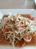 Тайский салат папапайи стиля с посоленным яичком Стоковое фото RF