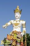 Тайский стиль скульптуры красивой статуи ангела Стоковые Фото