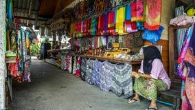 Тайский сувенирный магазин руководить старухой Стоковое Фото