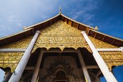Тайский щипец стиля стоковые фото
