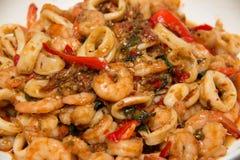 Тайским зажаренный stir соус базилика морепродуктов Стоковая Фотография RF