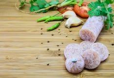 Тайским сосиска заквашенная стилем вызвала Neam на деревянной предпосылке Стоковая Фотография
