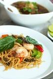 Тайское блюдо креветки с лапшами Стоковые Изображения RF