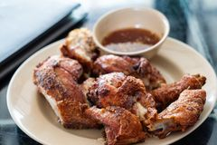 тайское зажаренное цыпленком стоковое фото rf
