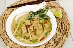 Тайское зеленое карри цыпленка стоковые изображения rf