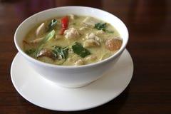 Тайское карри зеленого цвета цыпленка еды с рисом Стоковое фото RF