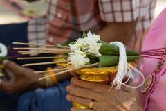 Тайское престарелое празднует фестиваль Songkran или тайский Новый Год Стоковые Фото