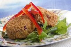 Тайское salmon fishcake на плите Стоковые Изображения