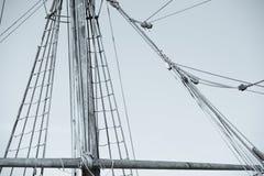 Такелажирование и веревочки старого парусного судна Стоковое фото RF