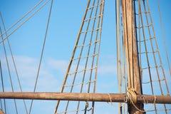 Такелажирование и веревочки старого сосуда плавания Стоковая Фотография RF