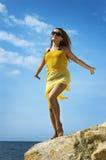 также волны ha девушки пляжа красивейшие Стоковое фото RF