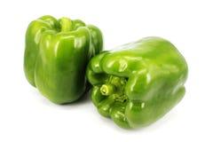 также закрепляя зеленые изолированные фото перцев путя видят подобную белизну Стоковое Изображение