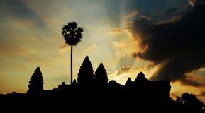 также мир wat наземного ориентира известного полного наследия рассвета культуры шарма Камбоджи здания angkor исторический огромны Стоковые Изображения
