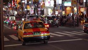 Такси в токио на ноче - ТОКИО/ЯПОНИИ - 12-ое июня 2018 сток-видео