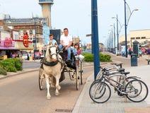 Такси Great Yarmouth лошади, Великобритания стоковое изображение