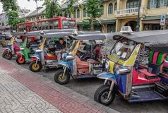 Такси tuk Tuk в Бангкоке, Таиланде стоковое изображение rf
