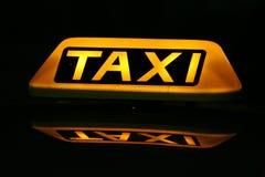 таксомотор знака кабины Стоковое Изображение