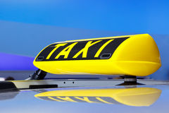 таксомотор знака Стоковое Изображение