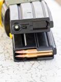 Тактические воинские пули и кассета для оружия. Стоковое фото RF