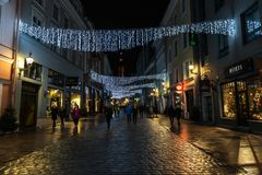 Таллин, Эстония, ноча, каменный материал, булыжник, старый, archite стоковая фотография