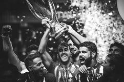 ТАЛЛИН, ЭСТОНИЯ - 15-ое августа 2018: Футболисты Atletico Мадрид Иллюстрация вектора