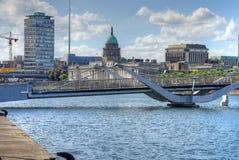 Таможня через реку Liffey в Дублине, Ирландии стоковые фотографии rf