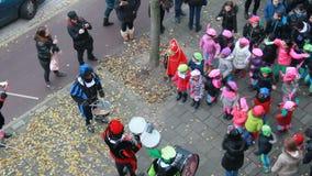 Танец детей к музыке акции видеоматериалы