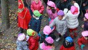 Танец детей к музыке видеоматериал