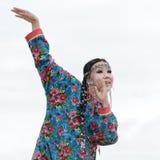 Танец женщины выражения - ансамбль Angt народного танца Koryak танцора (Камчатка, Россия) Стоковая Фотография