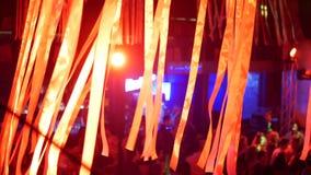 Танец концерта клуба музыки сток-видео