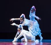 Танец кота девушк-современный Стоковые Фото