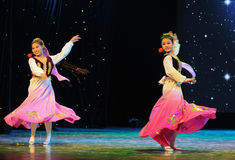 Танец 2 маленький Роза-людей Стоковые Фото